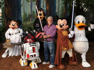 2010年にジョージ・ルーカスがディズニー・ハリウッドスタジオを訪れたときの写真