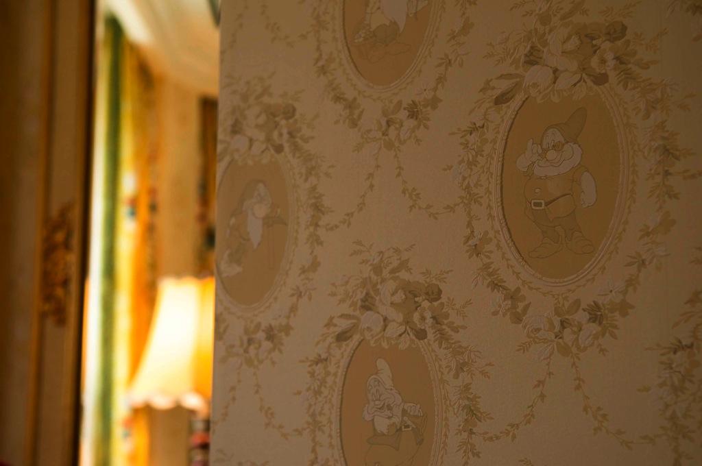キャラクター・ディズニー白雪姫ルーム 客室内装飾の一例 (c)Disney