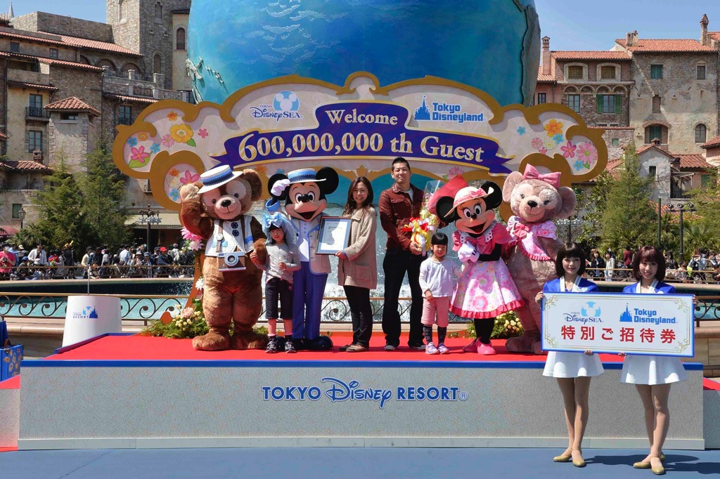 6億人ゲスト (c)Disney