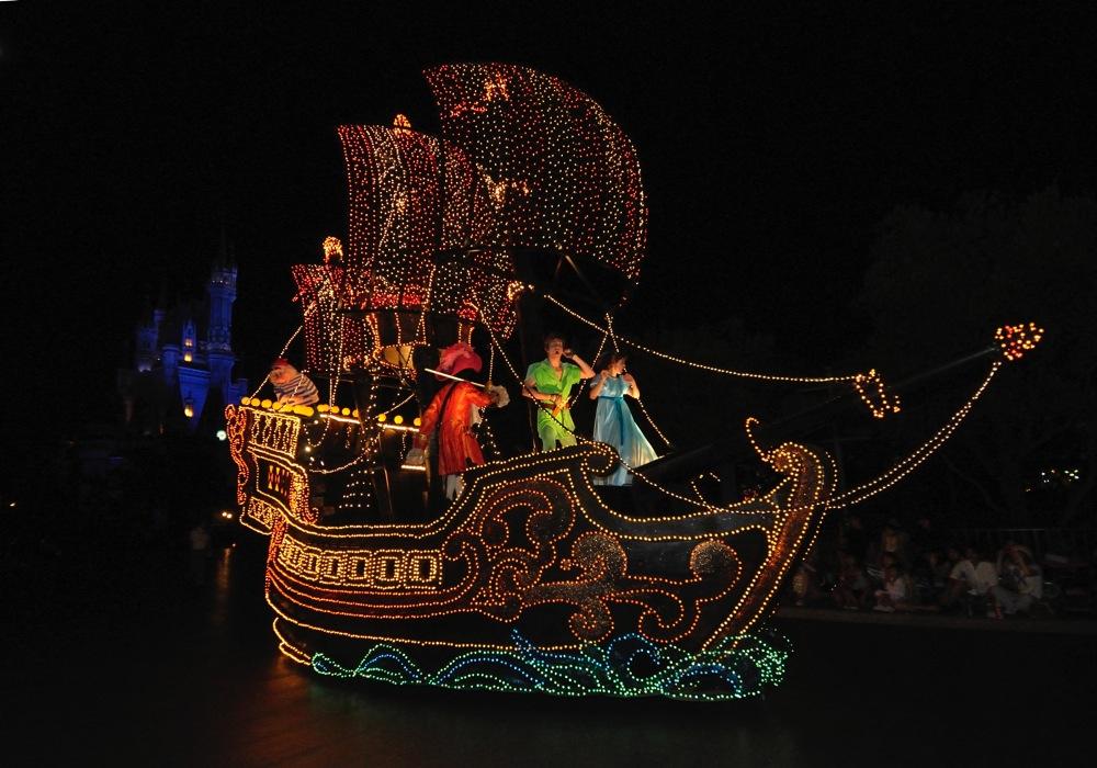 現在の ピーターパンの海賊船 のフロート画像(c)Disney