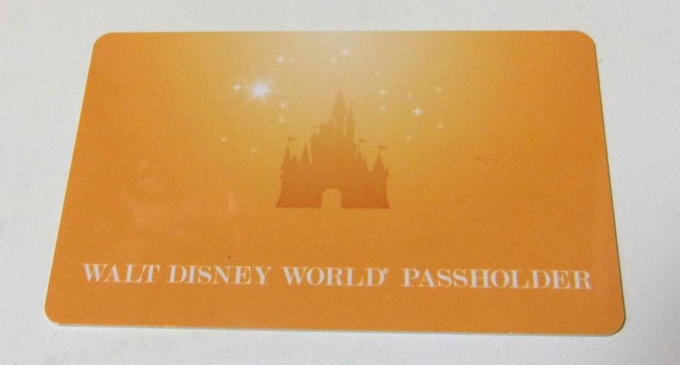 年間パスポート利用者向けMagicBandにはカードも。