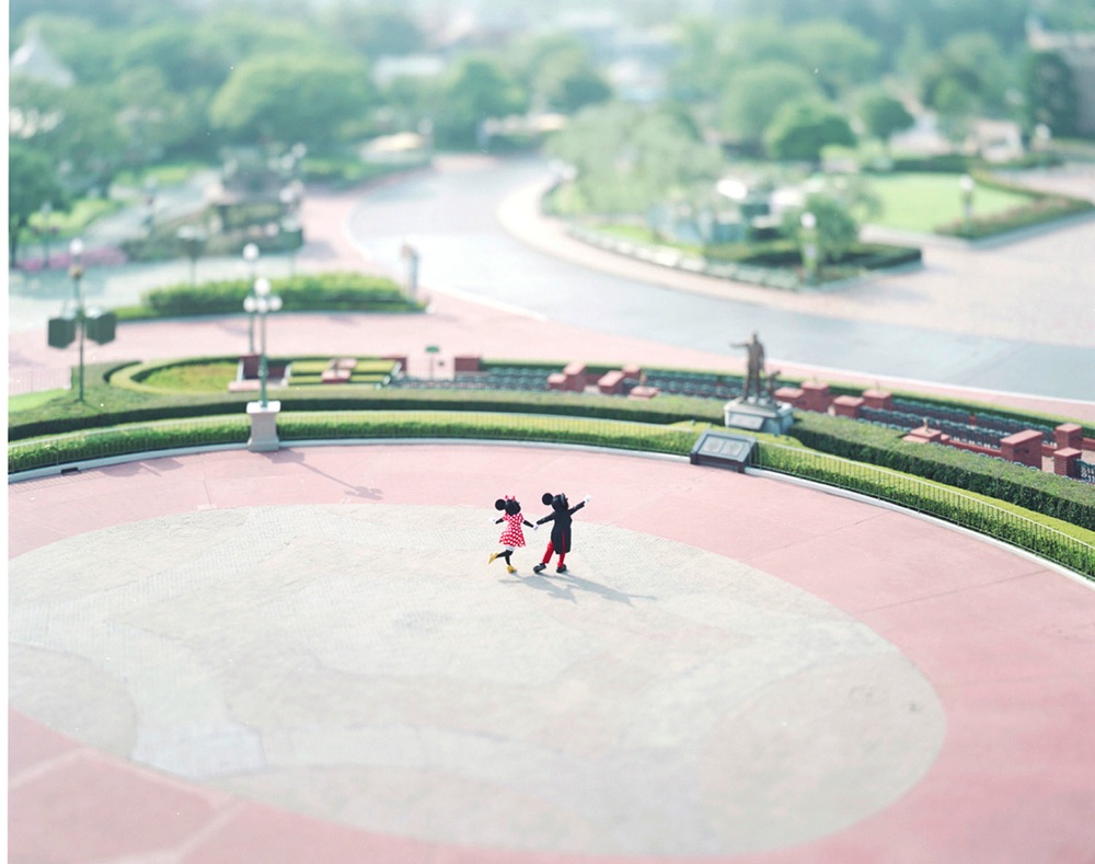 本城直季氏 (c)Disney