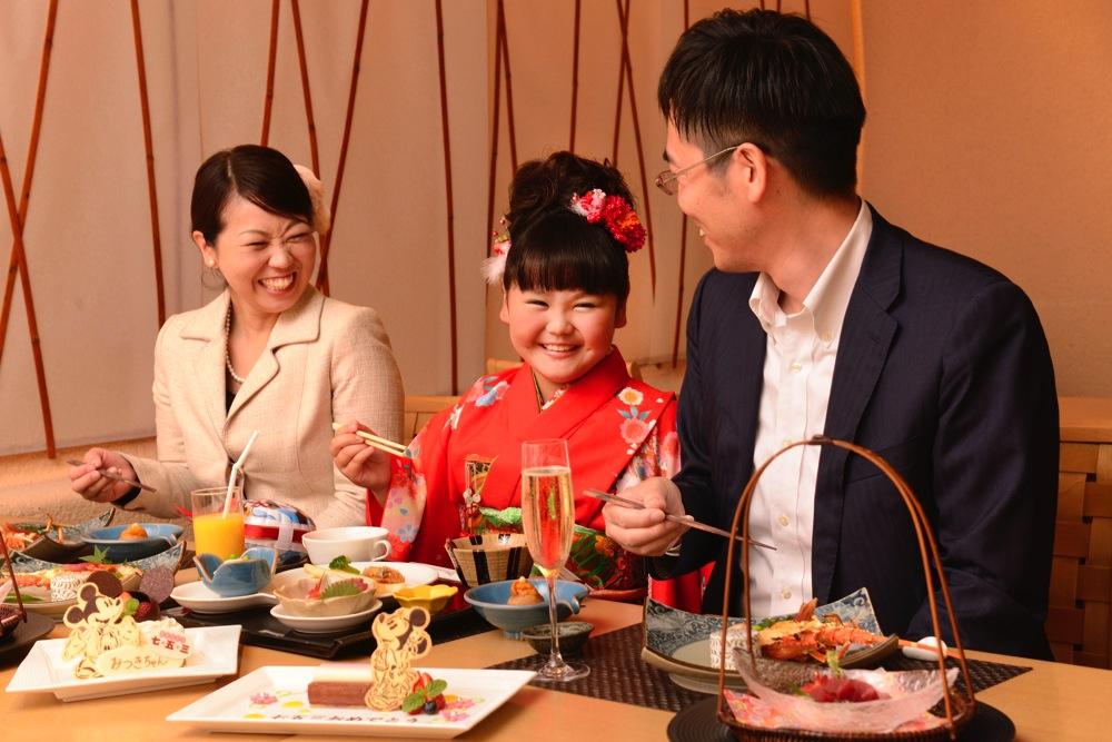 ディズニーアンバサダーホテル 花 Hana でのお祝い イメージ (c)Disney