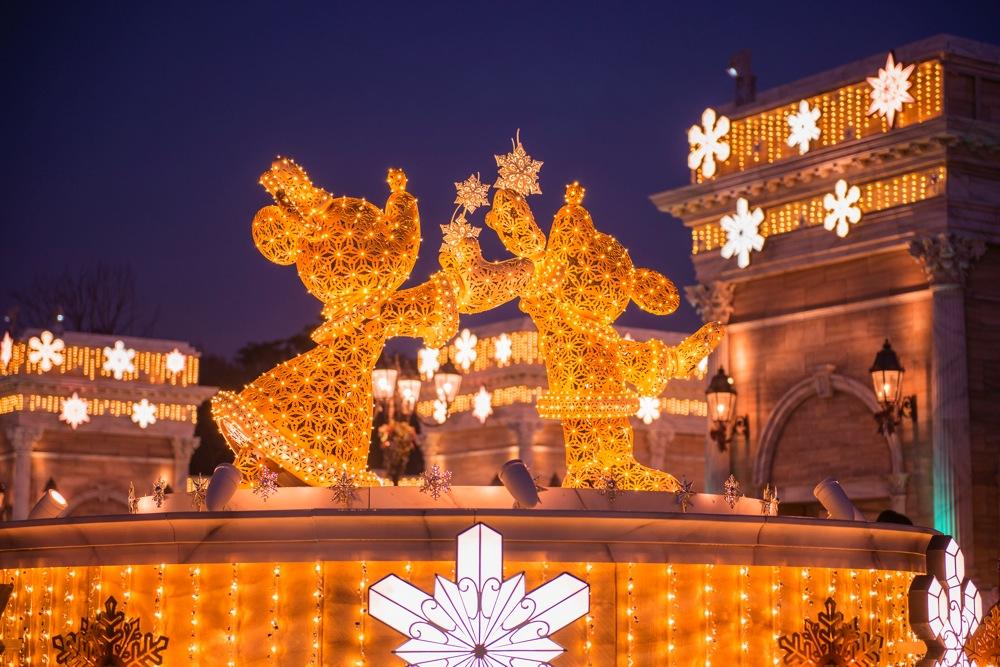 スノークリスタル・イルミネーション(イメージ) (c)Disney