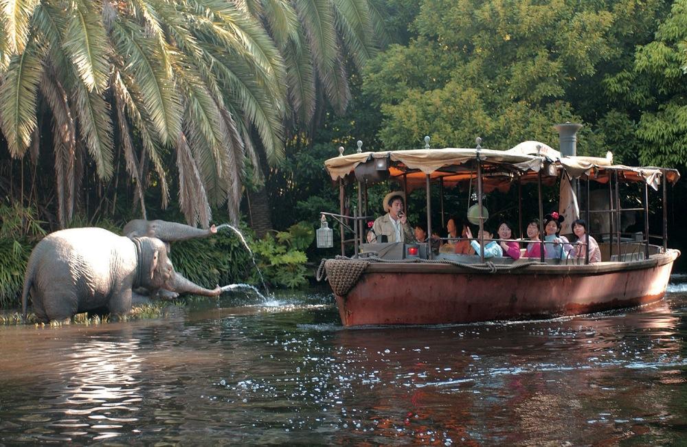 ジャングルクルーズ(写真はリニューアル前のもの)(c)Disney