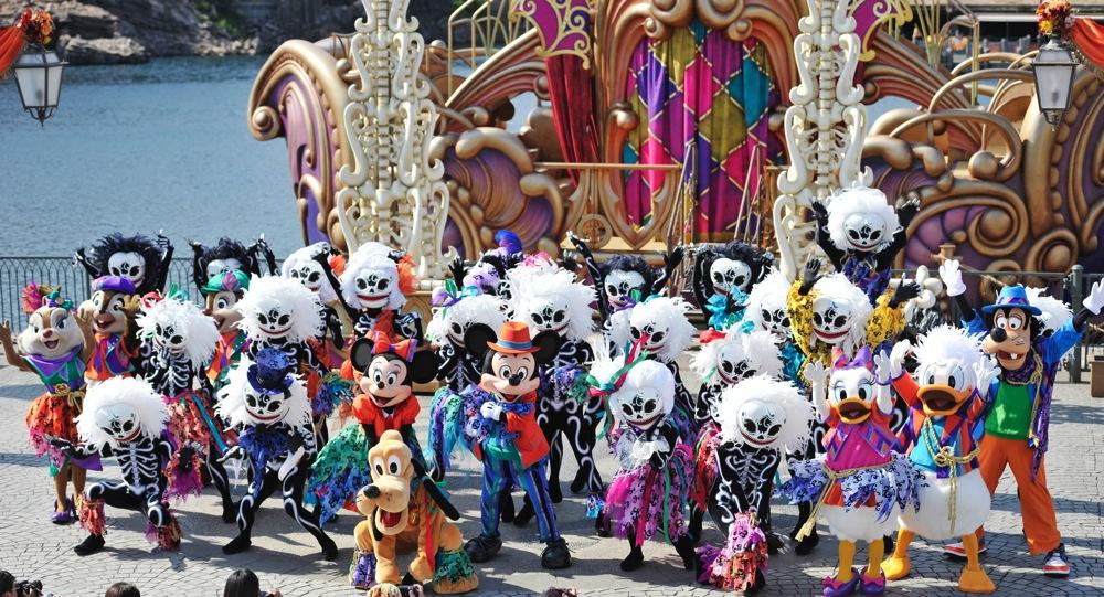 ウェルカム・スケルトン・フレンズ  (c)Disney