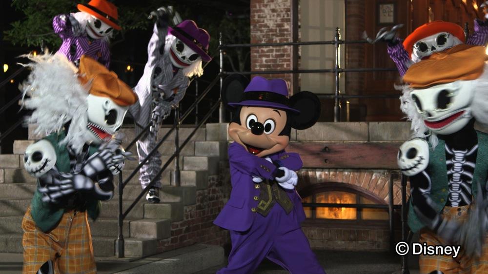 「ミッキーマウスとスケルトンのキレッキレダンスムービー!」 YouTube動画映像(キャブチャ画像) (c)Disney