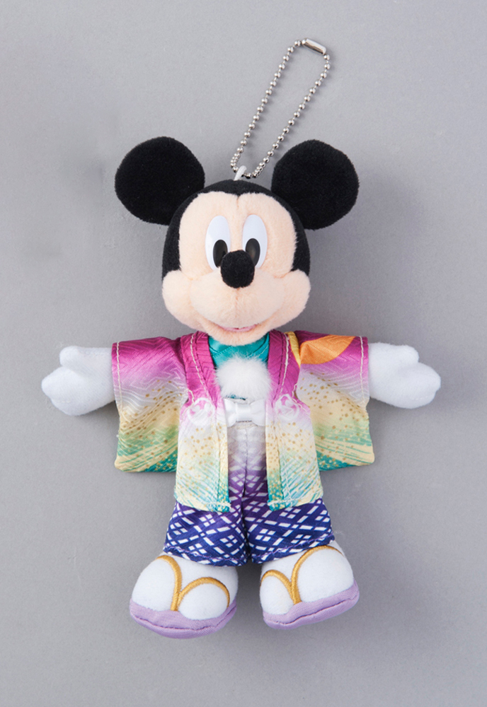 ぬいぐるみバッジ 1600円 (c)Disney