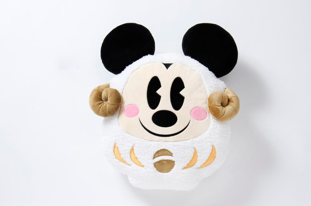 クッション 3000円 (c)Disney