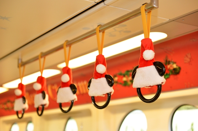 ディズニー クリスマス ライナー吊革 (c)Disney