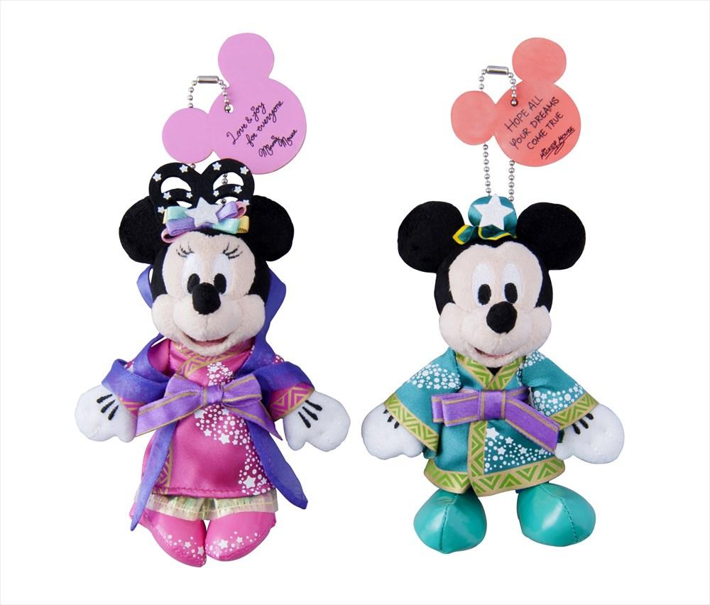 「ペアぬいぐるみバッジ」2800円 (c)Disney