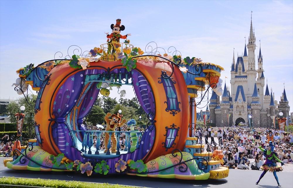 東京ディズニーランド「ハッピーハロウィーンハーベスト」 (c)Disney