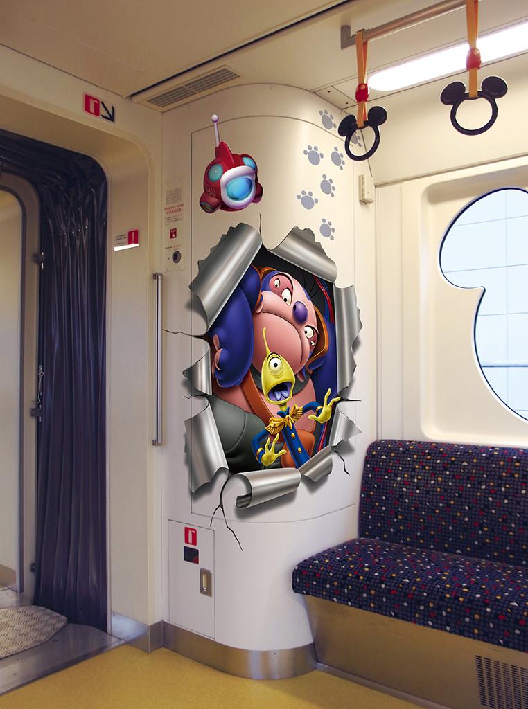 ディズニーリゾートライン_スティッチ・エンカウンター・ライナー(内観) (c)Disney