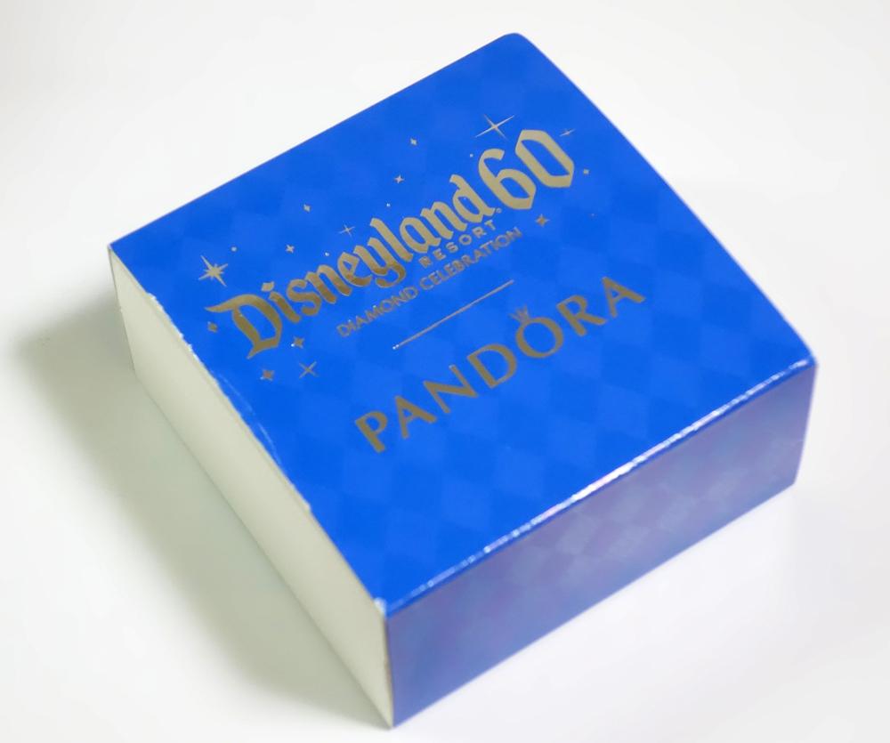 パークで購入すると、いまは60周年のDiamond Celebrationの外装