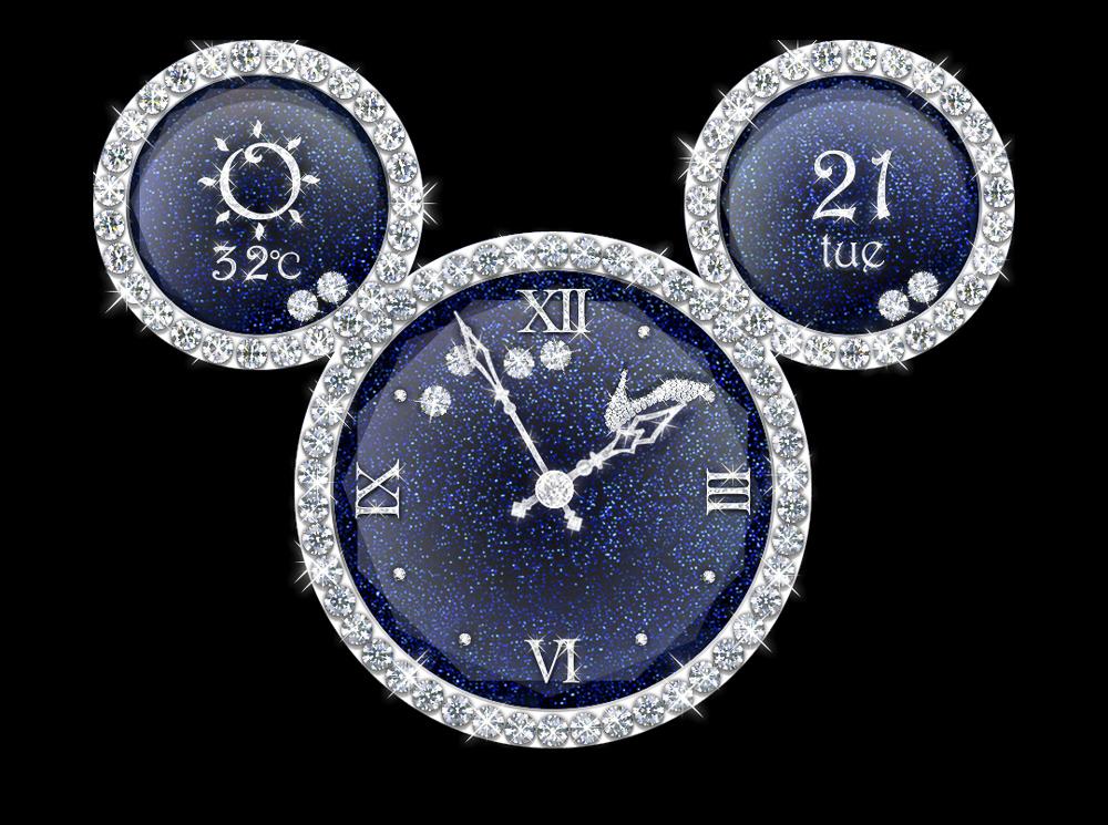 こちらはシンデレラの時計。本体を傾けると、時計盤の中をダイヤモンドとガラスの靴が動きます。