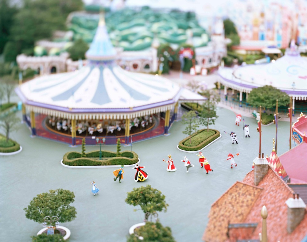 本城直季氏の作品(一例) (c)Disney