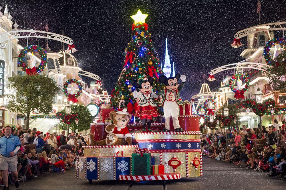 ミッキーのベリー・メリー・クリスマス・ホリデー As to Disney artwork, logos and properties:©Disney