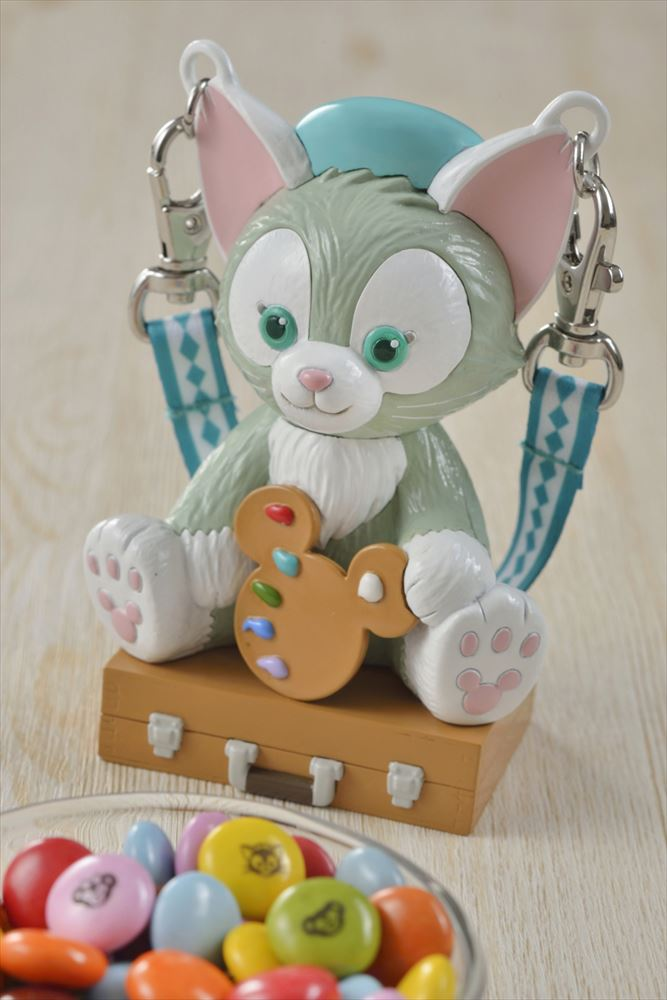 カラフルチョコレート ミニスナックケース付き 920円 (c)Disney