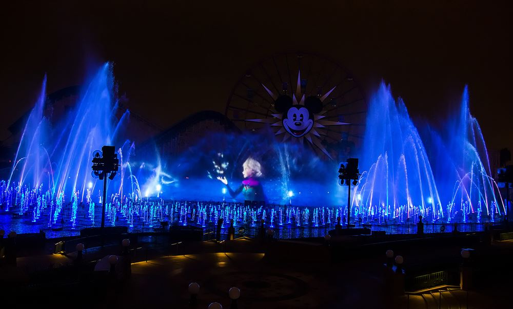 ワールド・オブ・カラー・ウィンター・ドリームス As to Disney artwork, logos and properties:©Disney