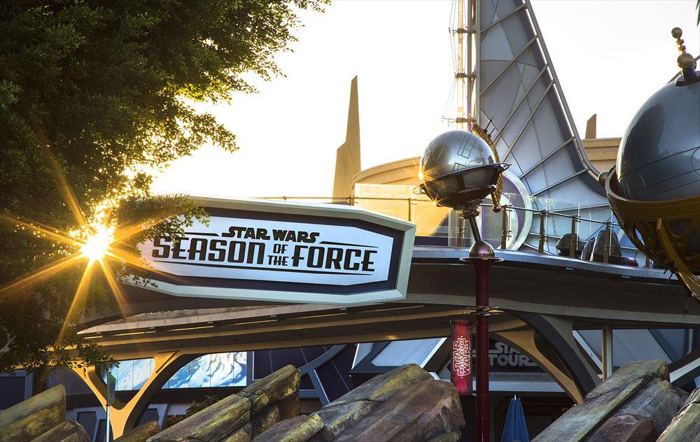 Star Wars Season of the Forceエントランス ©Disney