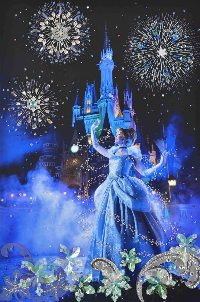 清川あさみ氏の作品 (c)Disney