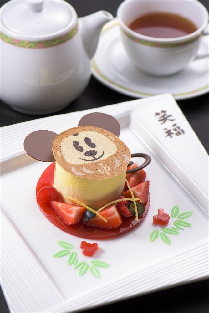「ハイピリオン・ラウンジ」ケーキセット  1240円 (c)Disney