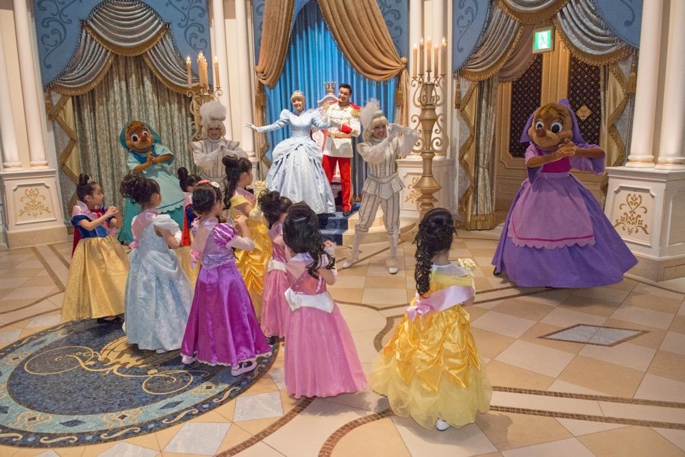 「シンデレラのプリンセス・ウェルカム」 (c)Disney