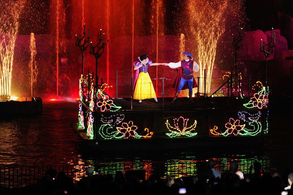 Fantasmic! at Disney's Hollywood Studios (c)Disney