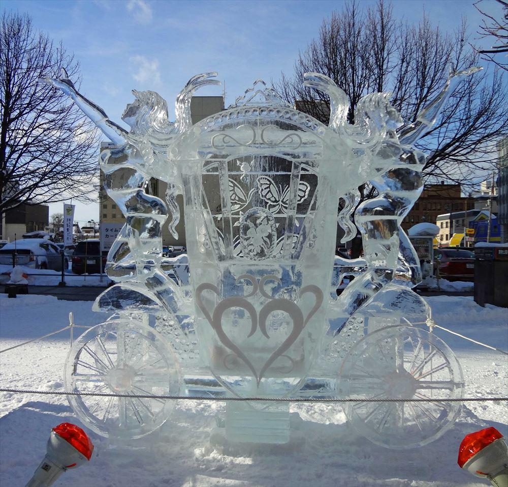 2016年氷彫刻世界大会 受賞作「夢を乗せて」 (c)Disney