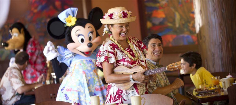 レストラン「マカヒキ」でのキャラクター・ブレックファスト As to Disney artwork, logos and properties:©Disney