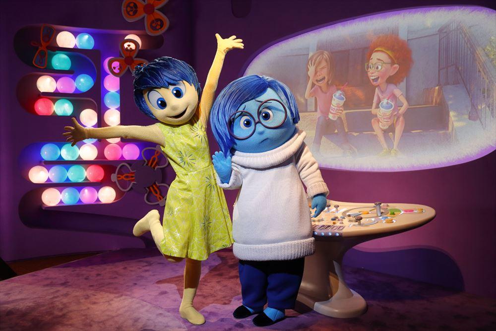 映画「インサイド・ヘッド」ヨロコビとカナシミ As to Disney artwork, logos and properties:©Disney
