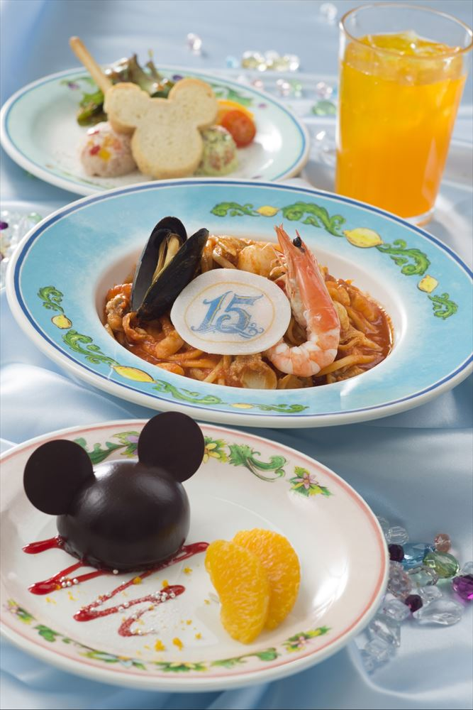 【ミッキーマウスをイメージ】スペシャルセット 2180円(カフェ・ポルトフィーノ) (c)Disney