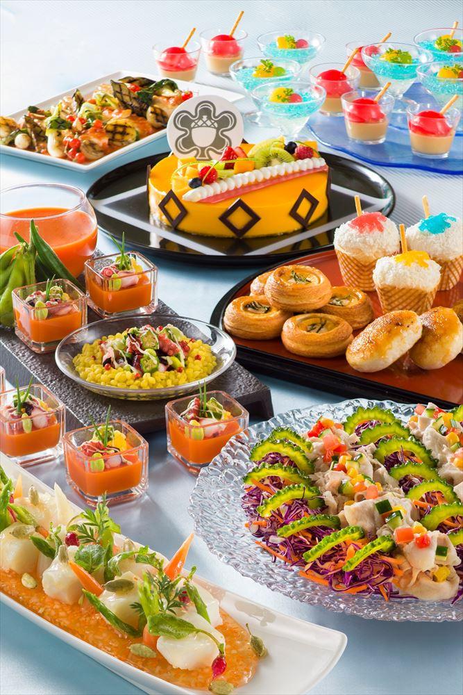 """「シャーウッドガーデン・レストラン」""""ディズニー夏祭り""""ランチブッフェ/ディナーブッフェ  (c)Disney"""