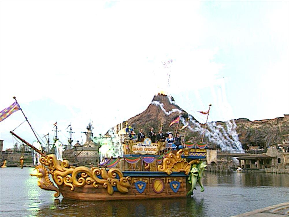 2001年9月4日:東京ディズニーシー グランドオープン (c)Disney