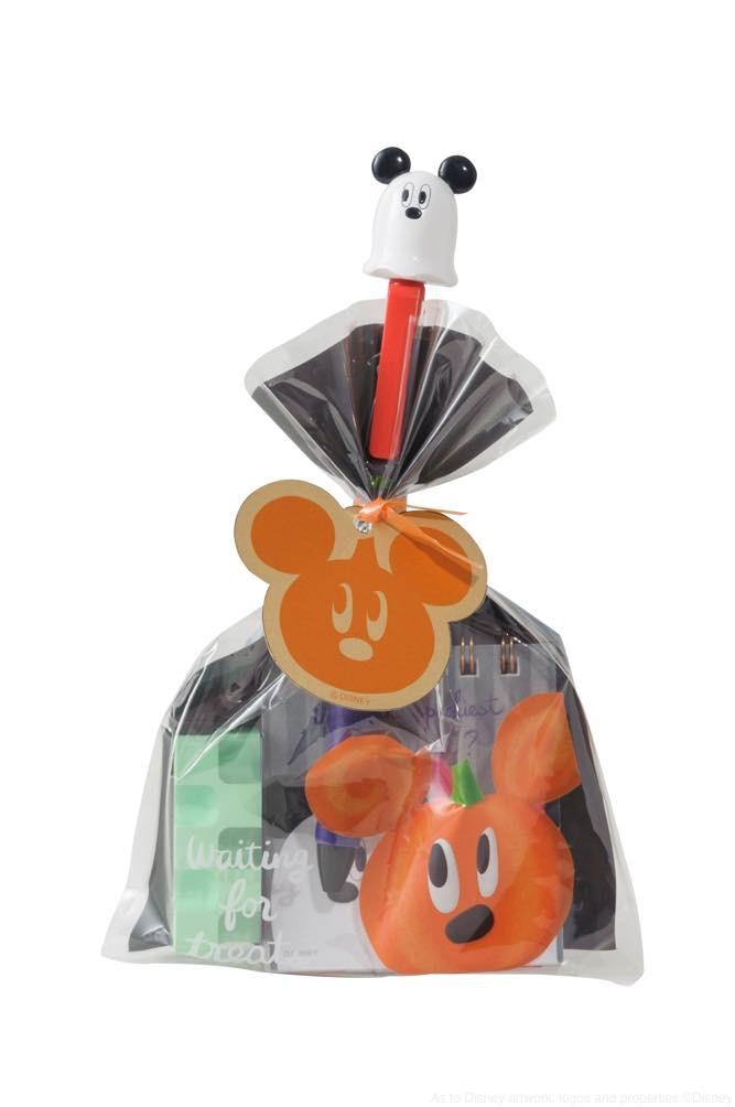 ラッピングバッグ使用イメージ (中身は別売り) 各500円 (c)Disney