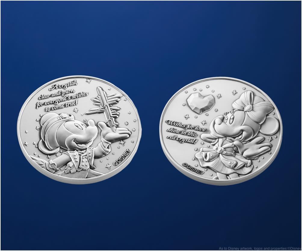 純銀製メダルセット 直径 45mm 重さ 45g×2 オリジナル専用ケース入り 5万円 販売店舗:エンポーリオ (c)Disney