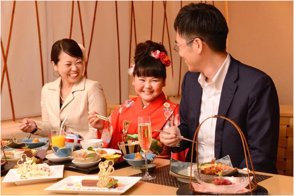 ディズニーアンバサダーホテル「花 Hana」でのお祝い(イメージ) (c)Disney