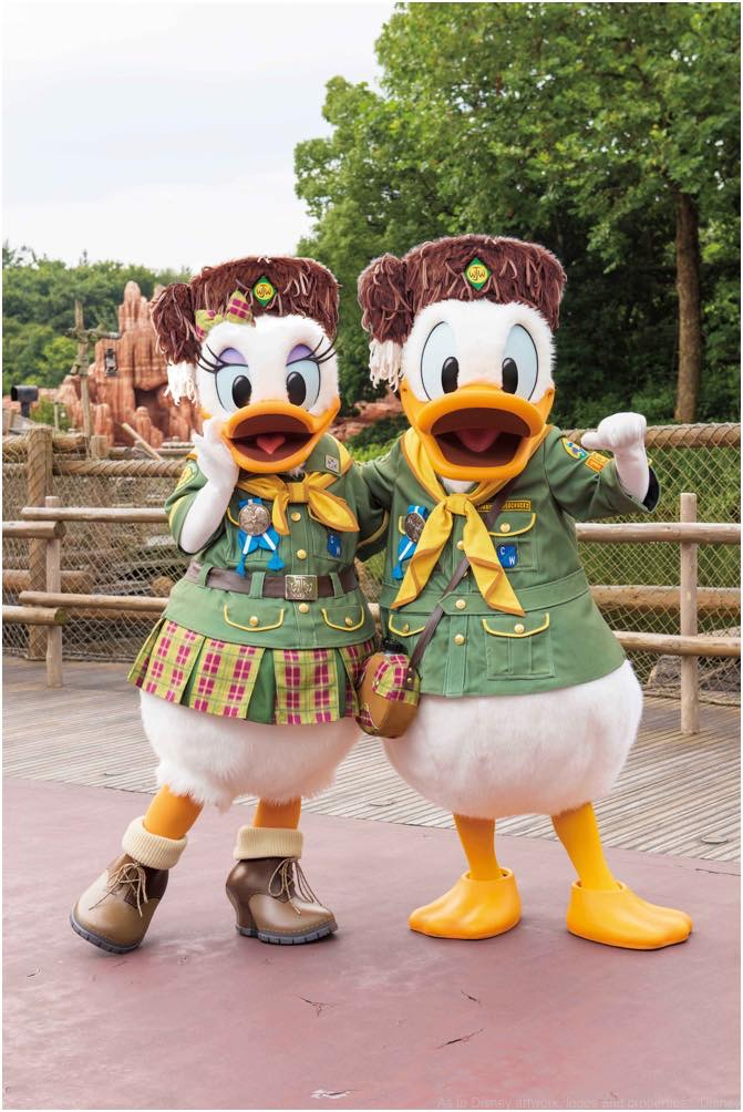 「ウッドチャック・グリーティングトレイル」の 新コスチューム姿イメージ (c)Disney