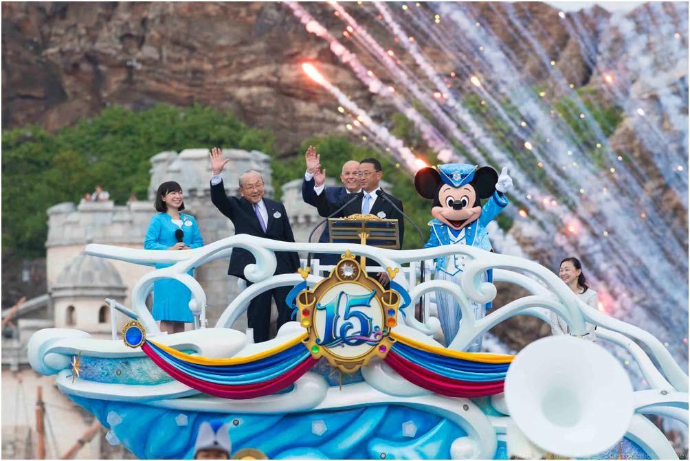 セレモニーの様子 (c)Disney