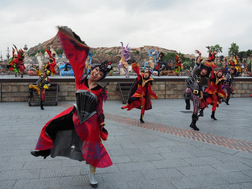 東京ディズニーシーのショー「ザ・ヴィランズ・ワールド 〜ウィッシュ・アンド・ディザイア〜」はダンサーの躍動感が印象に残りました