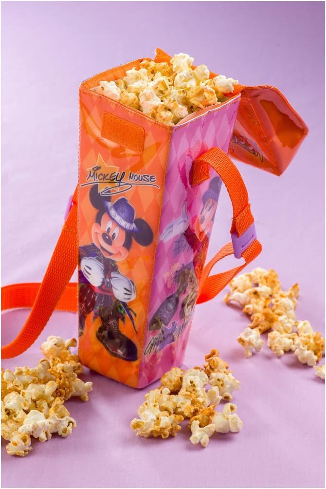 レギュラーボックス、スーベニアポップコーン ケース付き 1 個 1200円 (c)Disney