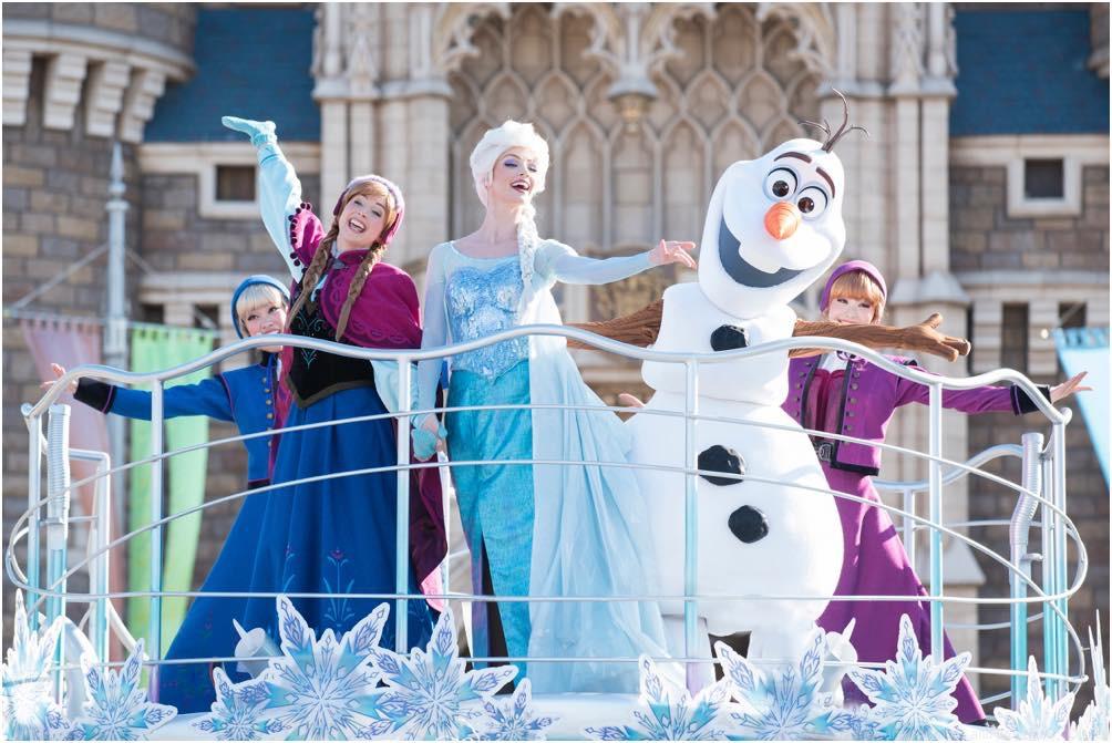 アナとエルサのウィンターグリーティング  (c)Disney