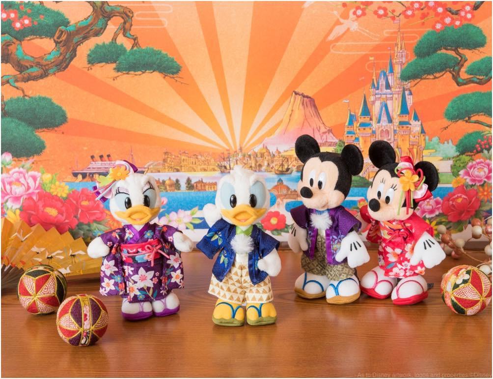 ぬいぐるみバッジ各1700円 (c)Disney
