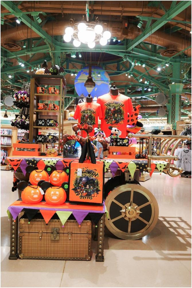 Halloween Festivities at Disneytown, limited seasonal merchandise (c)Disney