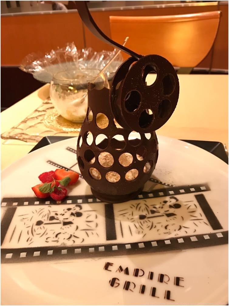 「ゴチになります!」スペシャルコース(10/11~11/30) ティラミスとエスプレッソコーヒーのグラニテ (c)Disney