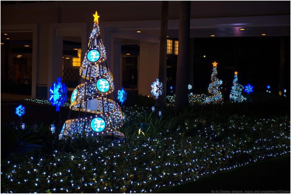 ディズニーアンバサダーホテル イルミネーション (c)Disney