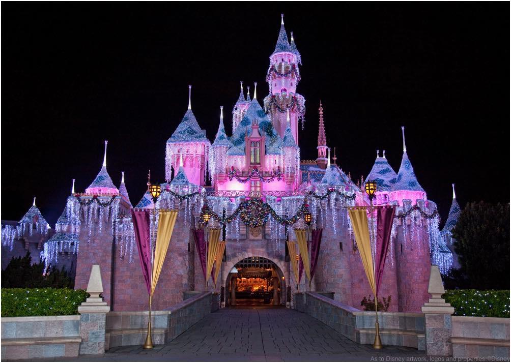 眠れる森の美女城 ウィンターバージョン As to Disney artwork, logos and properties:©Disney