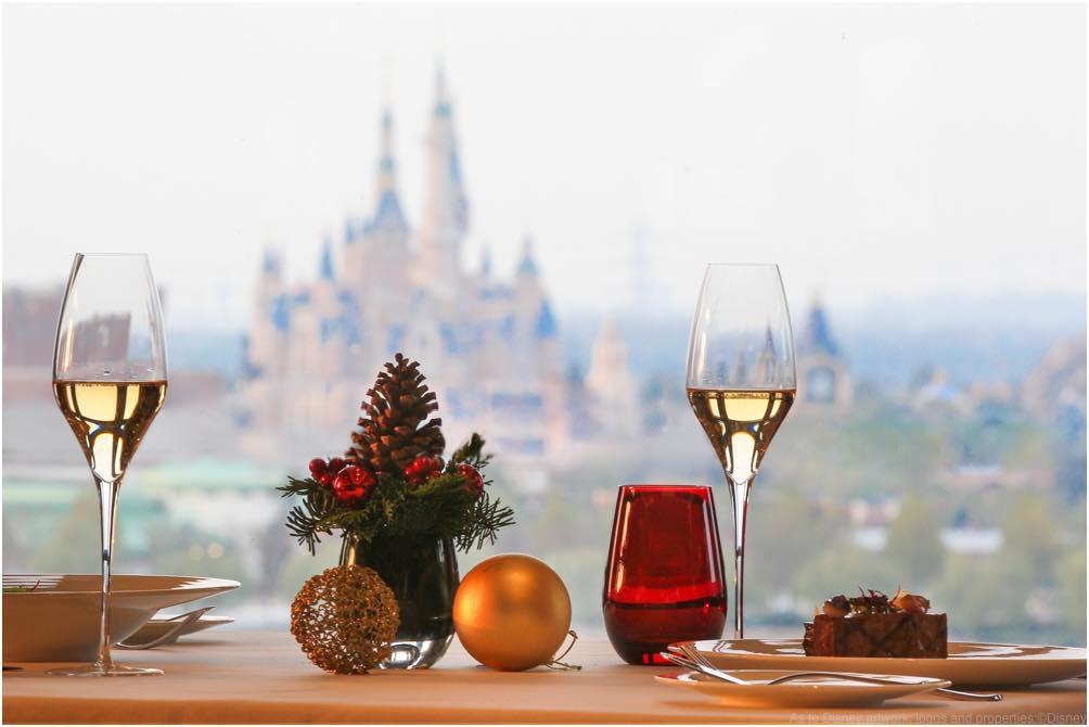 Shanghai Disney Resort Holiday Set Menu, Shanghai Disneyland Hotel, Aurora Restaurant (c)Disney
